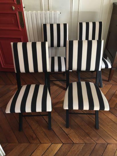 Quatre chaises pliantes rayés  hauteur :...