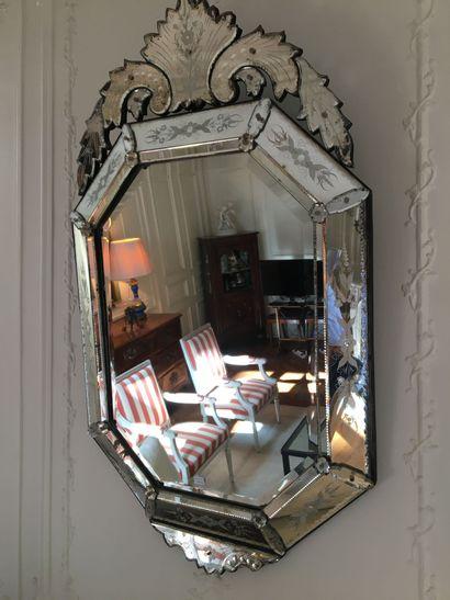 Miroir de Venise  Xxème  H : 122  L : 72...