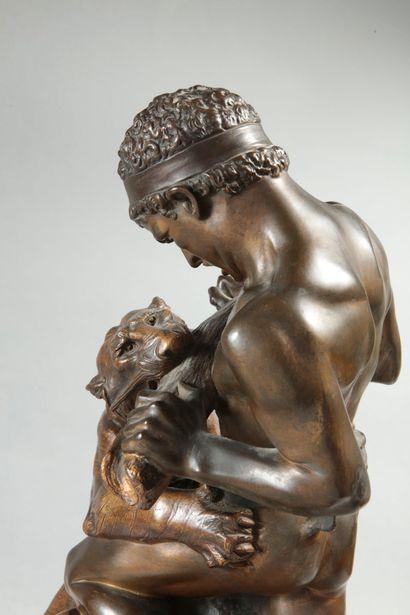Edouard DROUOT (1859-1945). Lutte pour la vie. Bronze à double patine brune et médaille...