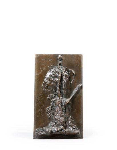 Pierre Jules MENE (1810 - 1879). Lièvre et poisson. Bas relief en bronze signé en...