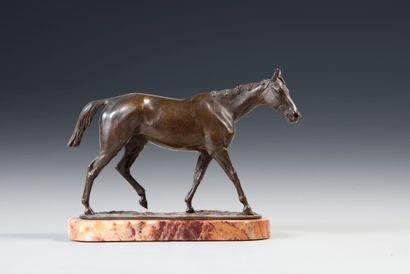 Isidore BONHEUR (1822-1901). Cheval au pas. Bronze à patine brune nuancée signé...