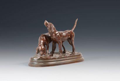 Alfred DUBUCAND, d'après. Les deux chiens de meute. Bronze à patine brune signé...
