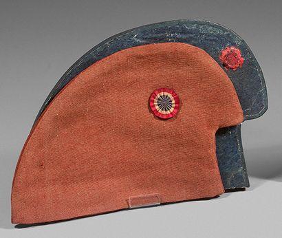 Rare bonnet phrygien portant sa cocarde d'origine...