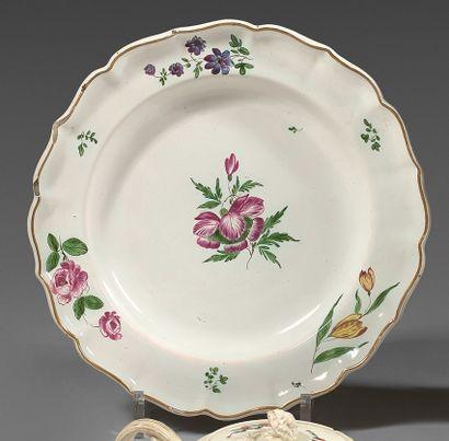 Assiette en faïence du XVIIIe siècle, peut-être...
