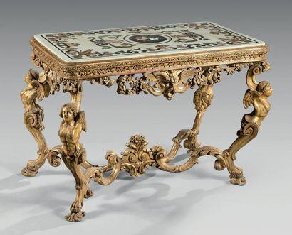 Rare table de milieu en bois mouluré, sculpté,...