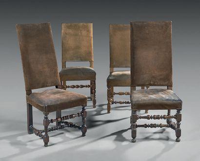 Suite de quatre chaises à haut dossier en...