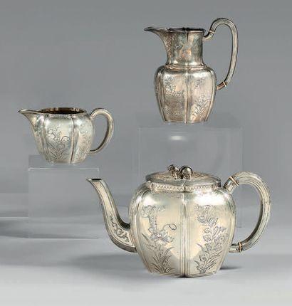 Service à thé en argent, de style chinoisant,...