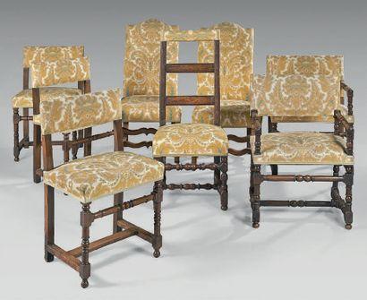 Mobilier de salon composé de deux chaises...