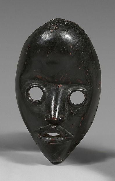 Masque Dan (Côte-d'Ivoire) à front proéminent,...
