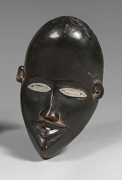 Masque Dan (Côte-d'Ivoire) à haut front,...