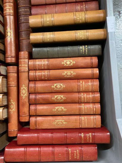 Deux Manettes de livres : Druon, Troyat,...