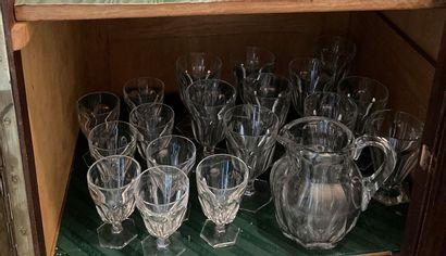 Partie de service de verres en cristal d'après...