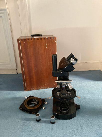Microscope et sa boîte  H microscope : 37...
