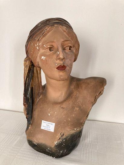 Buste femme en plâtre polychrome, signé G....