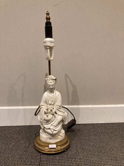 CHINE, figurine représentant la déesse Guanyn...