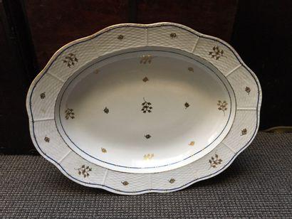 HERENDT Plat ovale en porcelaine à bordure...