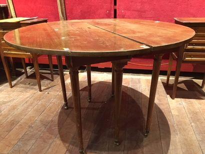 Table de salle à manger en acajou à six pieds...