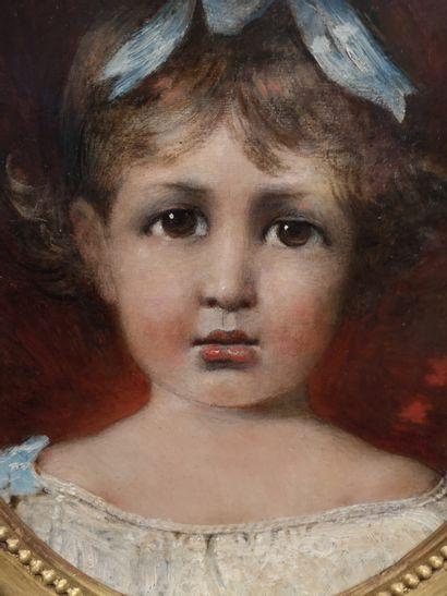 Ecole Française, début du XXème  Portrait de jeune fille au ruban bleu  Huile sur...