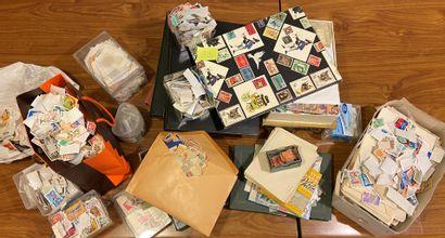 TOUS PAYS: 1 carton contenant des timbres...
