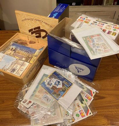 FRANCE MODERNE: Lot de timbres en euros,...