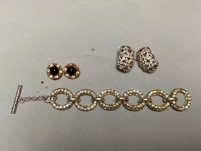 NINA RICCI  Lot de bijoux fantaisie comprenant...