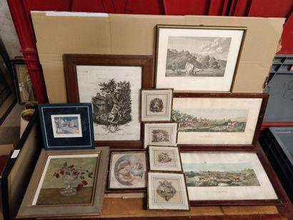 Lot de 11 pièces encadrées :  4 petites gravures...