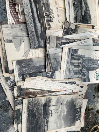 Lot de cartes postales de villes (Lille,...