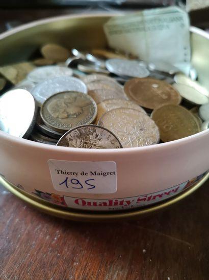 Lot de pièces de monnaie argent et métal...