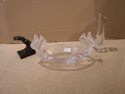 Lot comprenant :    Vase Baccarat, Haut.:...