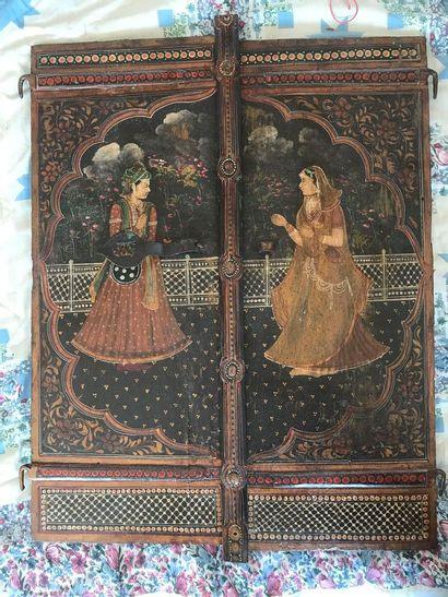 Inde. Paire de portes peintes en bois. Dim....