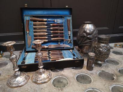 Lot comprenant : partie de ménagère en métal...