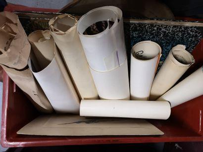 1 caisse d'affiche, cadres et carton à dessins et divers lot vendu en l'état