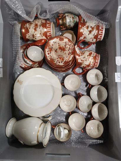 3 manettes de faîences, porcelaines et divers...