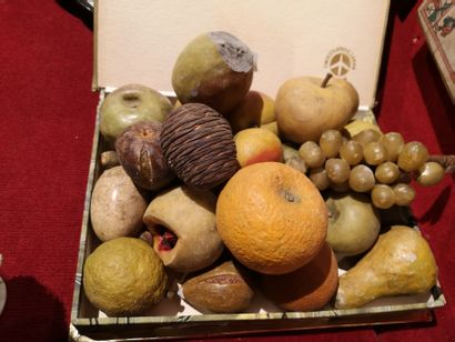 Lot de fruits en trompe l'œil Usures