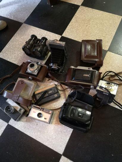 Lot d'appareils photographies dont Kodak,...