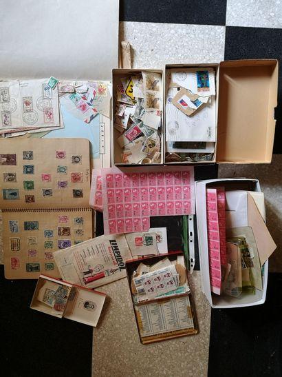 Fort lot de timbres divers, vrac France et...