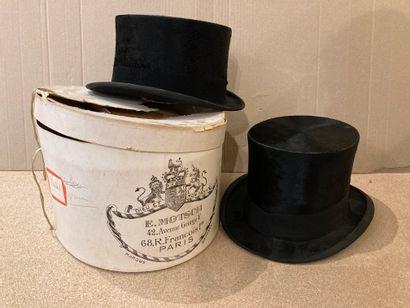 2 chapeaux haut de forme dont un E. Motsch...