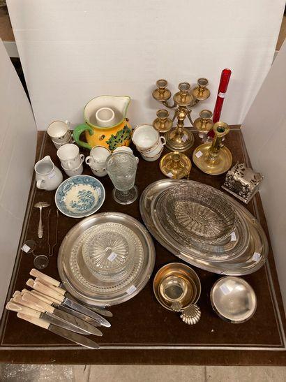 Manette : 4 plats en métal argenté (3 ovales...