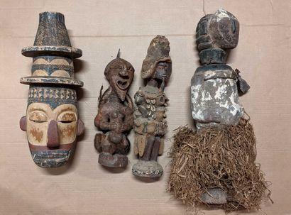 Caisse ensemble objets africains dont grand...