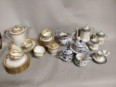 Lot de porcelaine :  une partie de service...