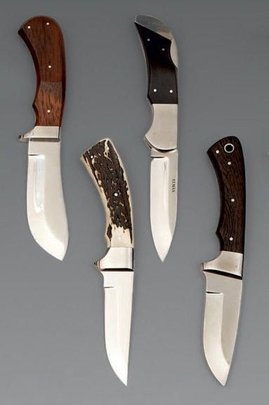 Quatre couteaux de chasse hongrois, de botte...