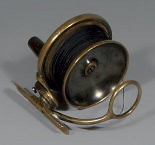 Rare petit modèle de moulinet à lancer