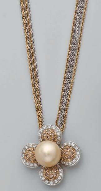Collier 2 tons d'or, composé de 5 chaînes...