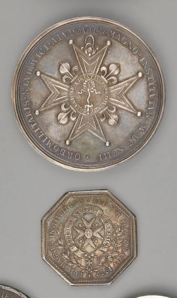 Une médaille en argent, commémorative de...