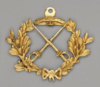 Curieux insigne de vétérance pour la gendarmerie,...