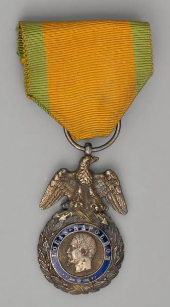 Deux Médailles militaires en argent, vermeil...