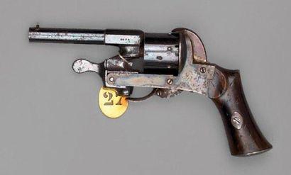 Revolver par Rochat, inspiré du système Javelle,...