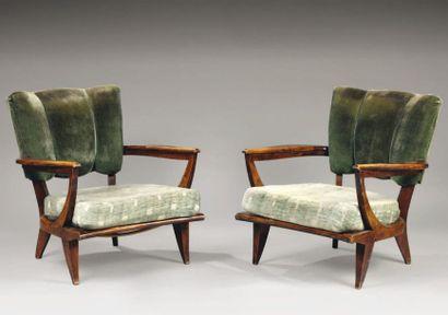 TRAVAIL FRANÇAIS Paire de fauteuils en bois...