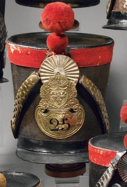 Shako d'infanterie modèle 1821, fût en feutre...