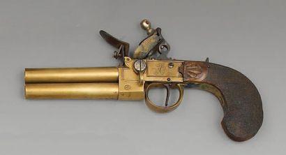 Pistolet à silex à coffre en laiton à deux...
